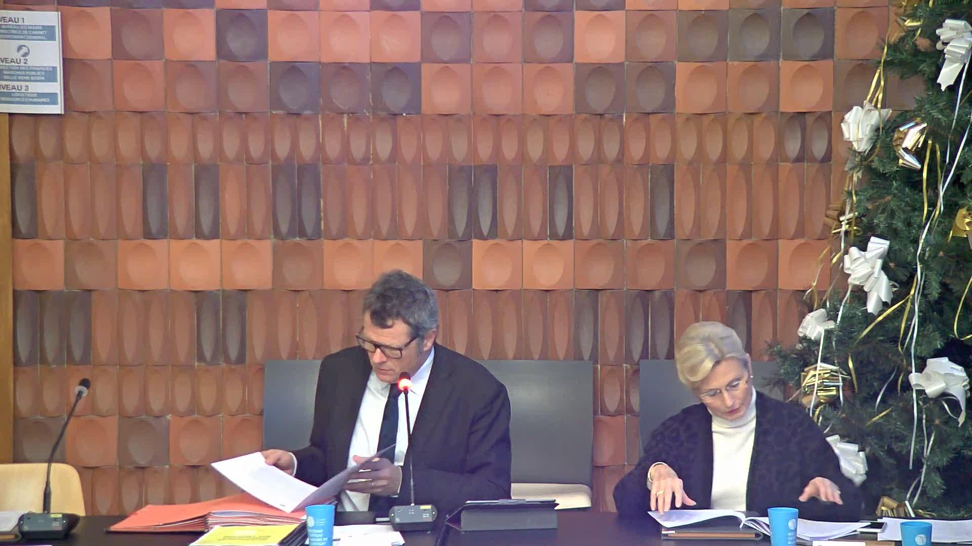 Convention de partenariat entre la ville, le centre social CAF Jolibois et l'association des utilisateurs du centre social CAF Jolibois
