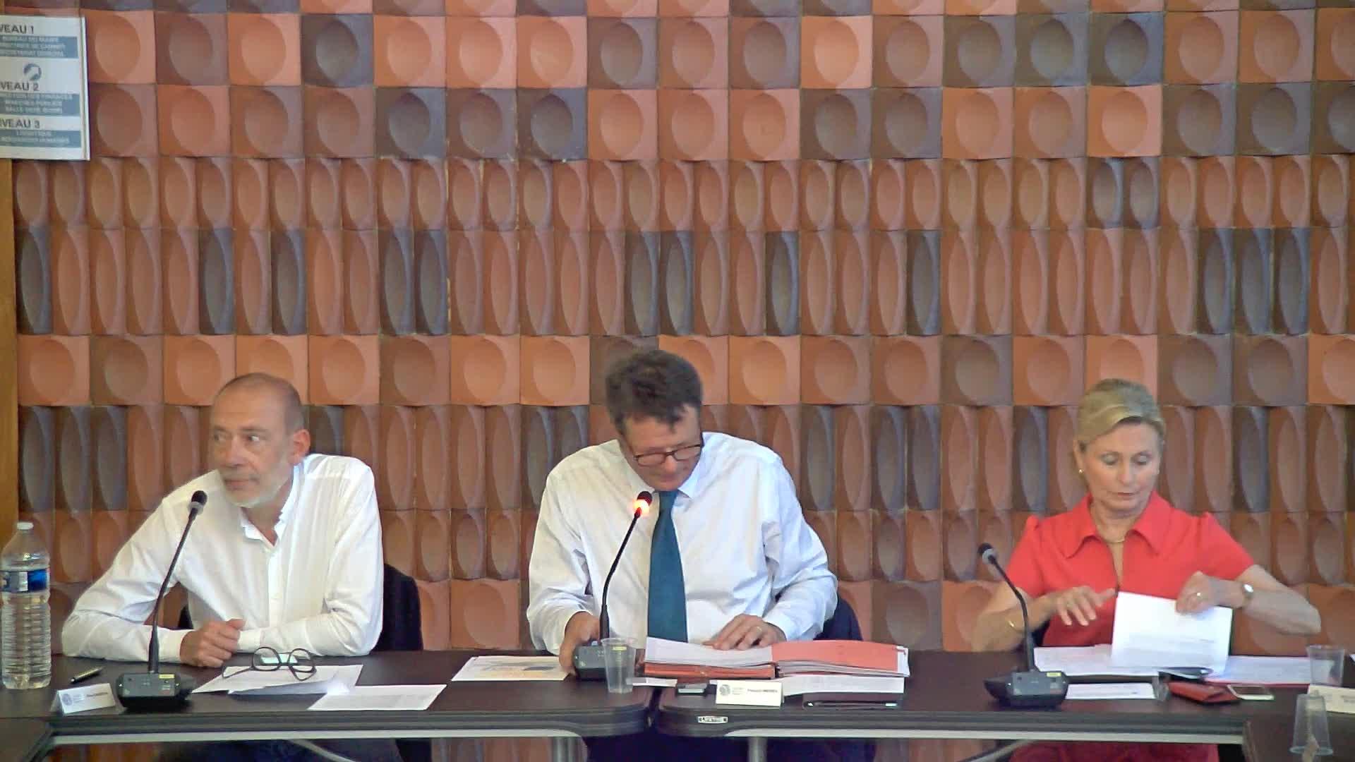 Accompagnement des bénéficiaires du RSA - Convention tripartite entre les villes et CCAS de Villers-lès-Nancy et de Malzéville avec le Département de Meurthe-et-Moselle - Convention de mise à disposition de l'accompagnateur RSA à la Ville de Malzéville